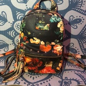 This is a bebe brand backpack selling for 10$!!